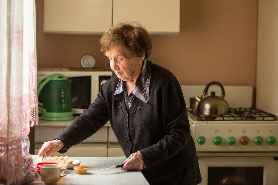 Senior Care in Palo Alto CA: Appliances to Keep Seniors Safe in the Kitchen
